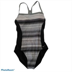 Nike one piece performance swimsuit gray white